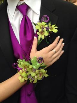 9-awesome-corsages-for-prom-girls-5