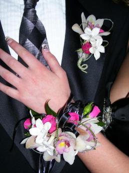 prom-corsage-3